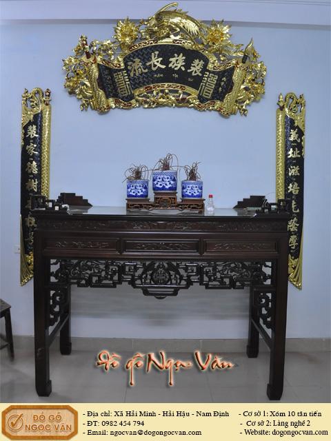 Bộ bàn thờ gia tiên gỗ gụ thiếp vàng