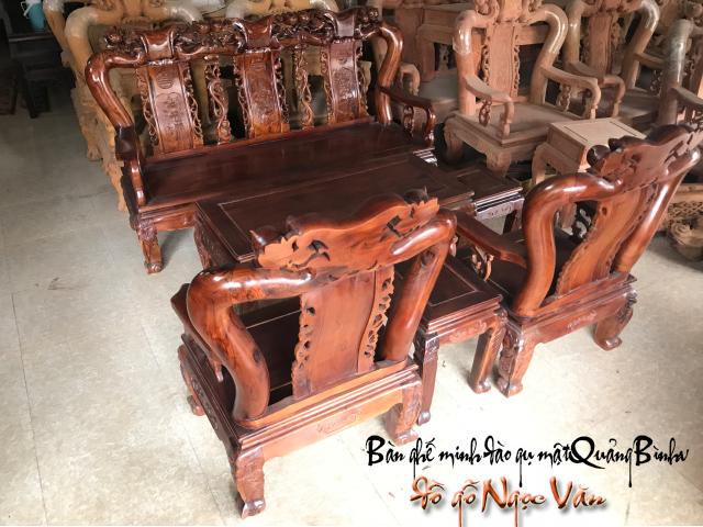 Bàn ghế minh đào gụ mật Quảng Bình